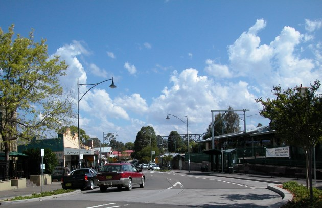 Macquarie Rd, Springwood, with the Train Station on the right.
