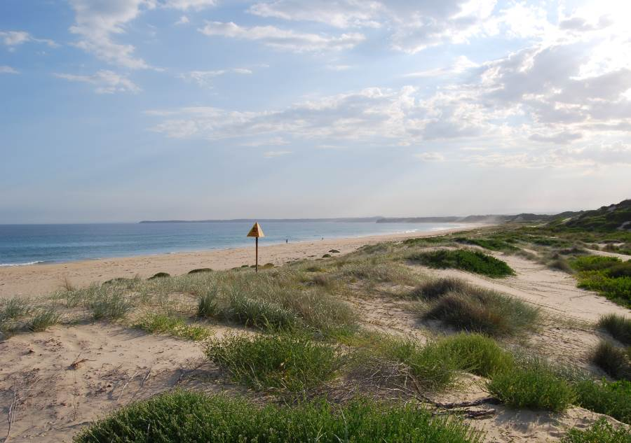By Sussex Inlet and the Conjola National Park on the South Coast is Cudmirrah Beach