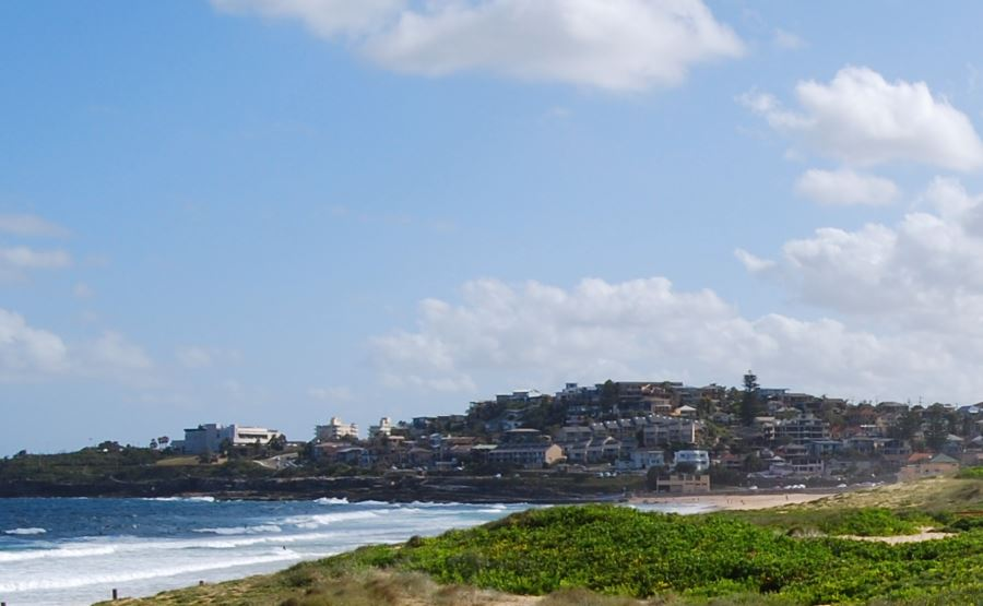 South Curl Curl Beach with the SLSC on the extreme right
