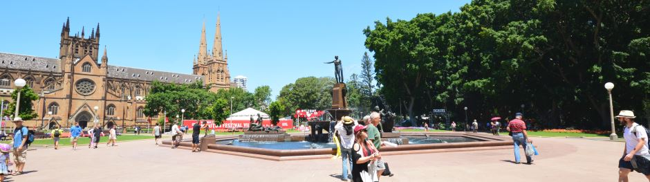 Archibald Fountain in Hyde Park, with St. Mary's Cathedral on the left.