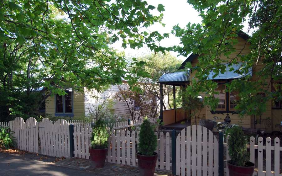 Homes in the Blue Mountains National Park: Historical Leura