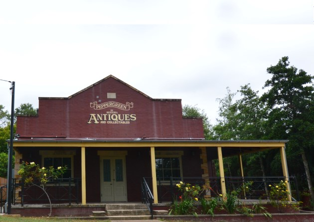 Antique Shops, Great Places to Eat and More at Berrima, NSW