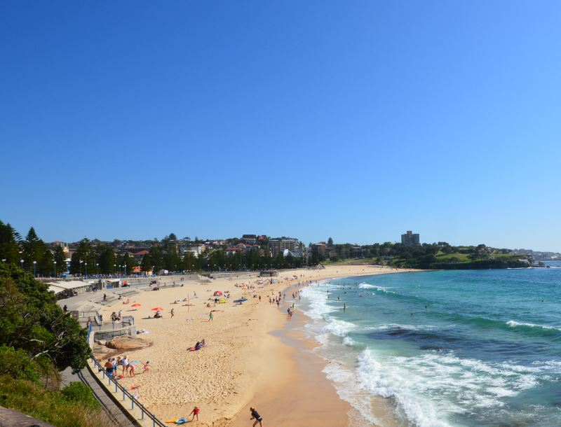 Coogee Beach: The Eastern Beaches Walk extends all the way to Maroubra Beach and to Botany Bay