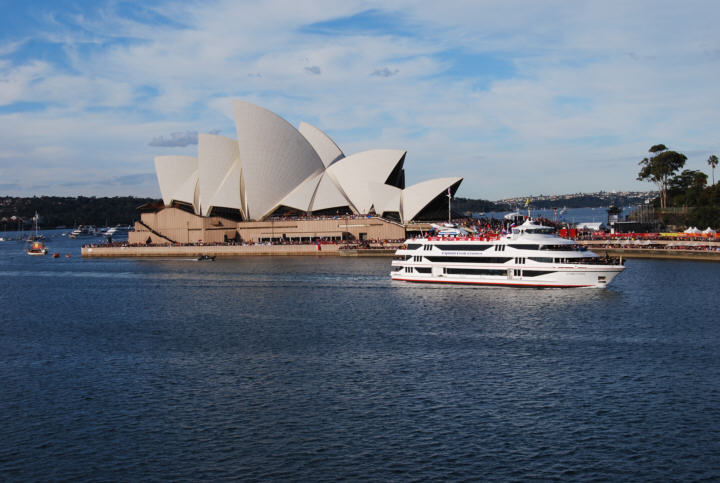 Sydney Cove is historical for Australia, this is where the first fleet settled with its load of convicts. The Sydney Opera House is built on one of the points, called Bennelong point, with the Harbour Bridge on the other.